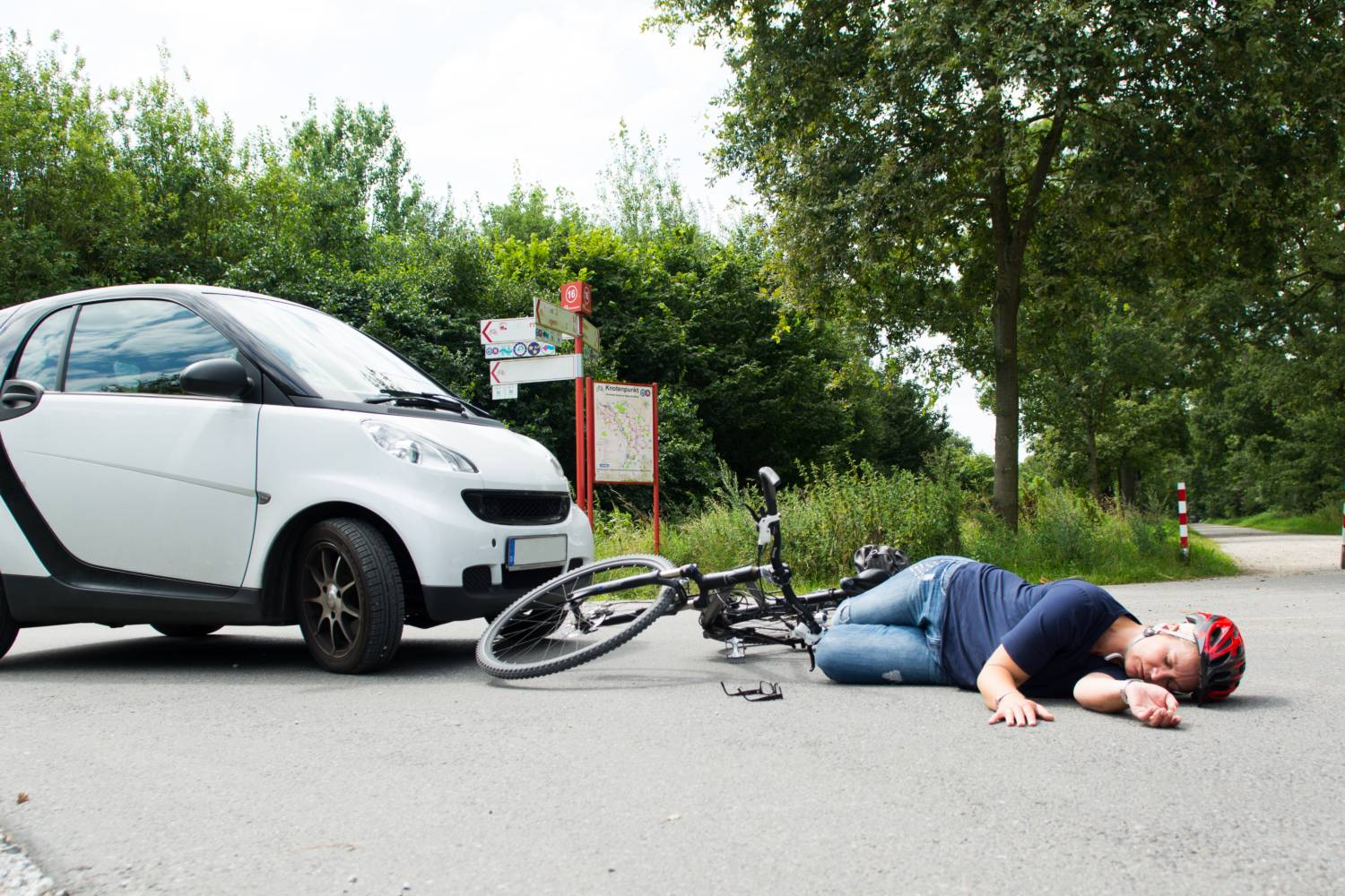 Road accidents - What to do and how to help